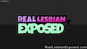 Lesbianas salidas pasando la virginidad mutuamente.