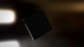 Morena tetona Nikki Fuck en un coche e inclínela para una acción de doble penetración