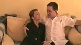 Pequeña ama de casa adolescente Deauxma y Skylar Cum Homenaje a Sheisnovember