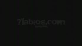 Colombiana con coletas se masturba follando.