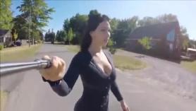 Esposa ofrece su culo para el sexo anal.
