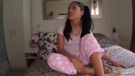 Susy Idol provoca al cielo para una mamada ofrece a sus sueños