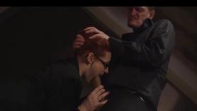 Video POV follando el cabrón de una guapa pelirroja en la ducha.