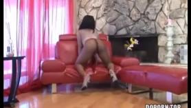 Morena culona follada en el porno