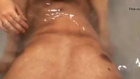 Pareja mayor se graba teniendo sexo con su vecino y con su amiga.