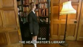 En la biblioteca acaban follando duro en cadenas.