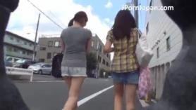 Colegiala japonesa follando duro.