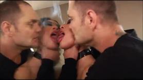 Nacho Vidal follando a una adolescente amateur.
