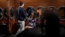 Espectacular escena lésbica dentro de la carne.