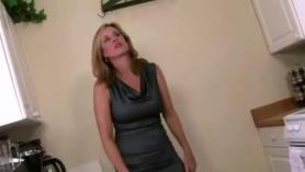 Hijo abusa de su madre a mama