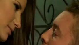Claudia Bavel follada por un consolador en su culo.