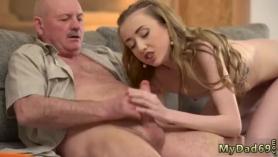 Violaciones con anciano