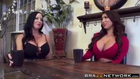 Lesbianas guarras comparten rabo duro y apetito sexo anal