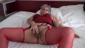 Abuelita con san servicio