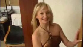 El Tinder Killer naranjo filmando a rubia amateur 19. Desiree Parker