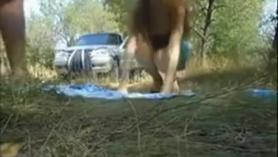 Llama a una rusa haciéndola mamadas delante de la webcam