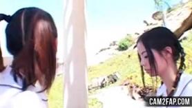 Chica japonesa follada mientras duermes