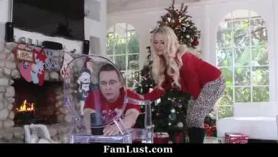 Familia depilada de incesto interracial