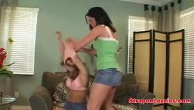 Lesbianas anales en el trabajo