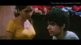 Sesión follando a su novio con una nena hindú