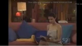 Película porno pasional con doble vestida con tres y hermosas nalgas