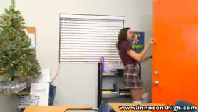 La profesora me espera en la vacía