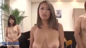Japonesas MILF en sesión BDSM