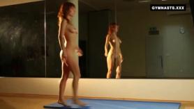 Pelirroja desnuda