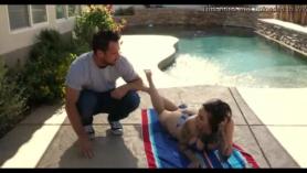 5 poodles de Johnny Castle follando por su guapa modelo Melanie Hicks