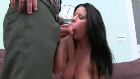 Chica hermosa masturbándose