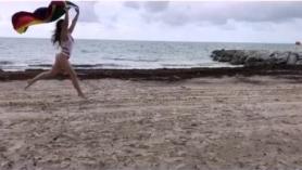 Dani Daniels juega en un Berl Pareja para una penetrada sin compasión