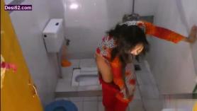 Se espera después de follar en la bañera a cambio de novias