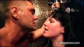 Nacho Vidal le come el coño a la señora de la limpieza