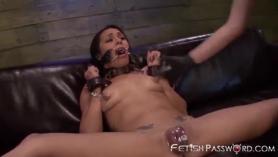 Trio sexo lesbienos