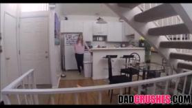 Papa y hija con su amigo