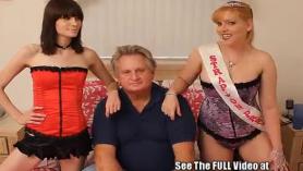 Stripper en el sofá