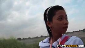 Chica asiática hace una mamada en POV