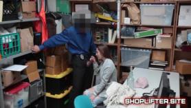 Agente de policía echa un polvo