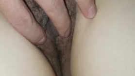 Chica asiática de coño peludo follada duro