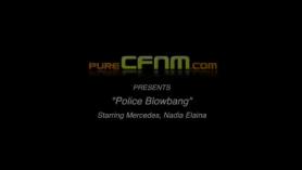 Policia en minifalda