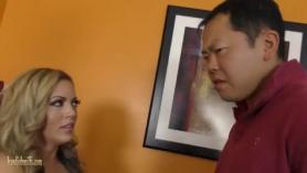 Vide porno casero y grabo el culo de la suegra