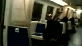 Enorme chica del metro follando