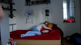 Mi hermano me viola dormida y lloro