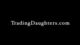 Se coje a su hija a escondidas