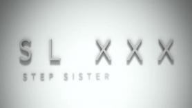 HB Step Sister es tomada en el culo por las tetas de su hermano