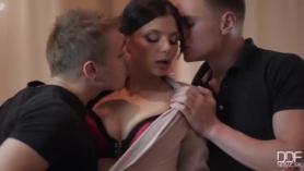 Porno anal a menor
