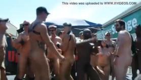 Mujeres desnudas como vinieron al mundo