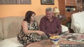 Porno con viejas anal