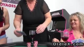Videos de abuelos y nietas