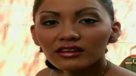 Miel asiática tetona Giorgio Dicaprio obtiene un facial desordenado